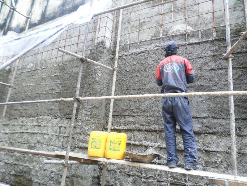 عملیات مهار جریان آب مشهود